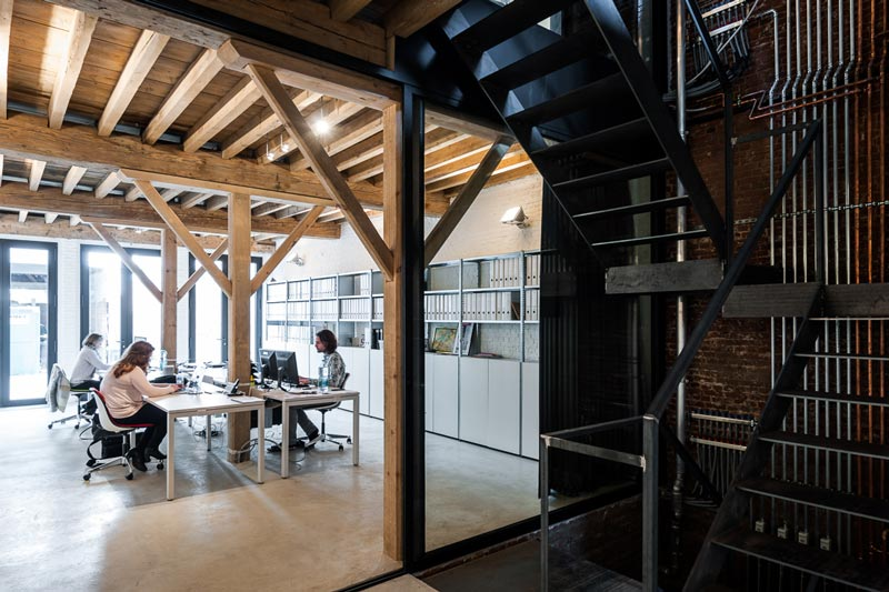 sculp[IT]architects HQ, white concrete floor